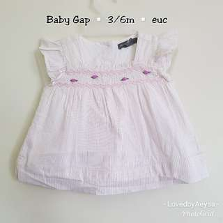 Baby Gap top