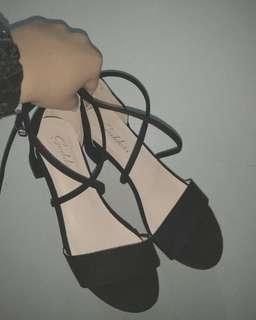 🚚 綁帶低跟涼鞋