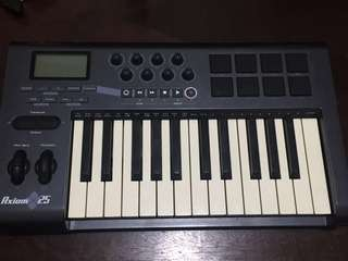 Axiom 25 Midi Keyboard