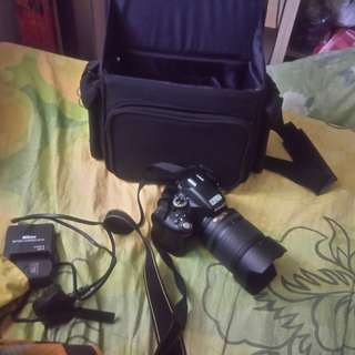 Nikon D5100 in good condition can negotiate