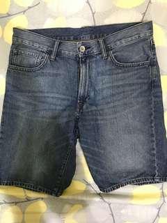 🚚 Uni深藍短褲 原價990 s號