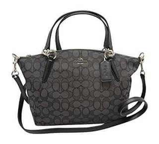 Brand New Coach Kelsey handbag from New York, i provided a proof of gift receipt of the item
