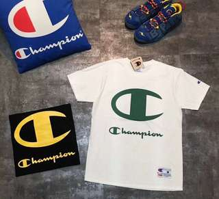 Champion Tee in blk or white