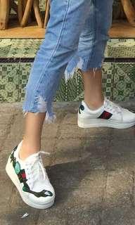 Sepatu like a gucci