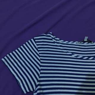 white&blue t-shirt