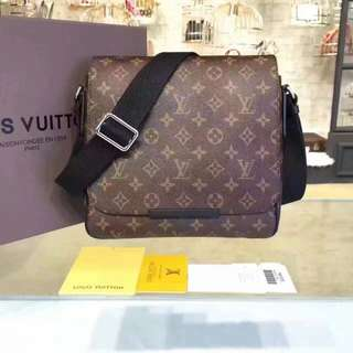 Authentic Brand New Louis Vuitton Messenger Bag M40935