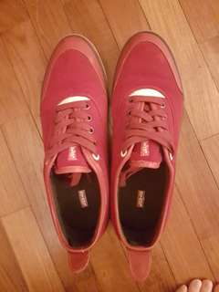 LEVIS original red velvet-suede sneakers UK5