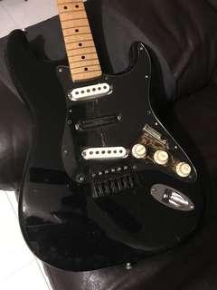 Fender MIJ Strat