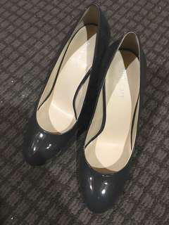 Authentic Nine West Charcoal/Grey Patent Pumps Size 9