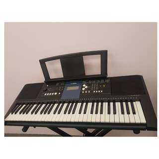 Yamaha Keyboard w stand for beginners at only $290