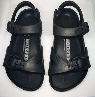 Preloved Birkensrock kids rio eva sandals Black size: EU 26 = 6.25 in = 15.9 cm (insole) rfs: maliit na for my son