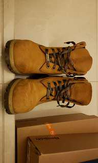 Timberland classic boot, 7.5w