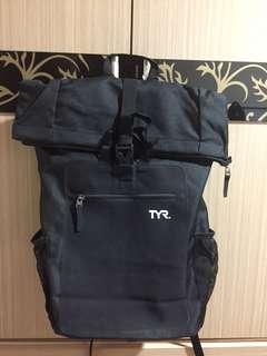 TYR 後背包 登山包 筆電包