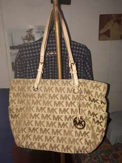 For take all  only mk, furla 100% authentic, lv replica only