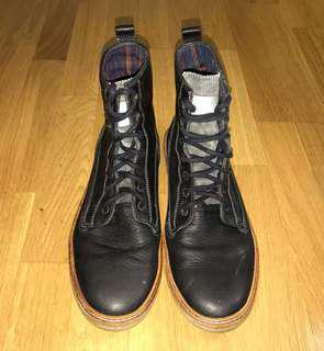 Authentic FRED PERRY Stockport-Driscoll Boot