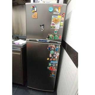 Refrigerator - Frigidaire FH24SR