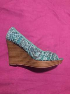 Turquoise lace shoes