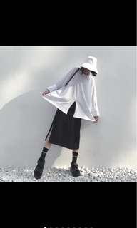 🚚 黑色半長裙 半開叉