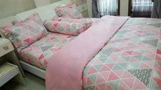 Sprei Homemade Triangle pink