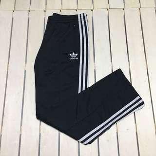 🚚 國外帶回 全新 正品 Adidas 運動長褲 黑