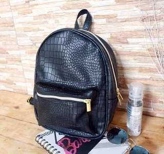 *get a freebie* Mini Backpack