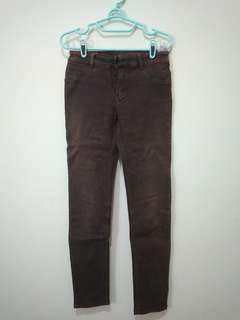 Jeans Cokelat Tua Model Pensil