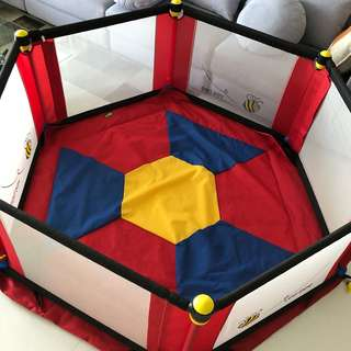 Vee bee 6 sized play yard