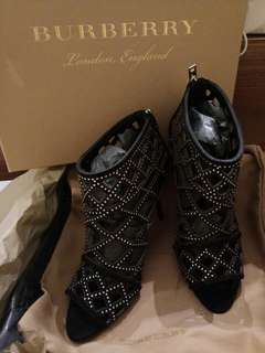 *法國購入*Burberry black studded peep toe/size38.5