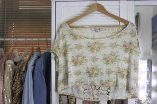 F21 floral semi crop top