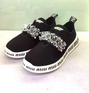 Miu Miu 2018 秋冬新款  黑色鑲彷鑽鞋 Size:35-39 有半碼 Real and New
