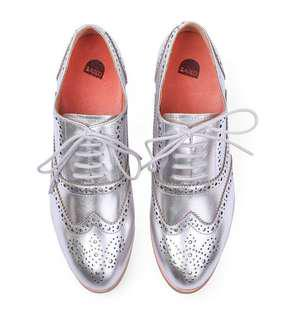 Bared Footwear Plover - Size 39 - Silver Leather Oxfords