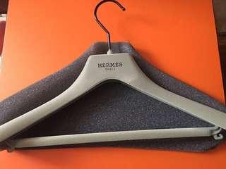 Hermes 衣架2隻