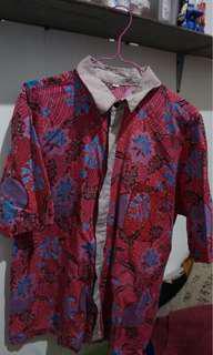 Kemeja batik merah size M fit to L too