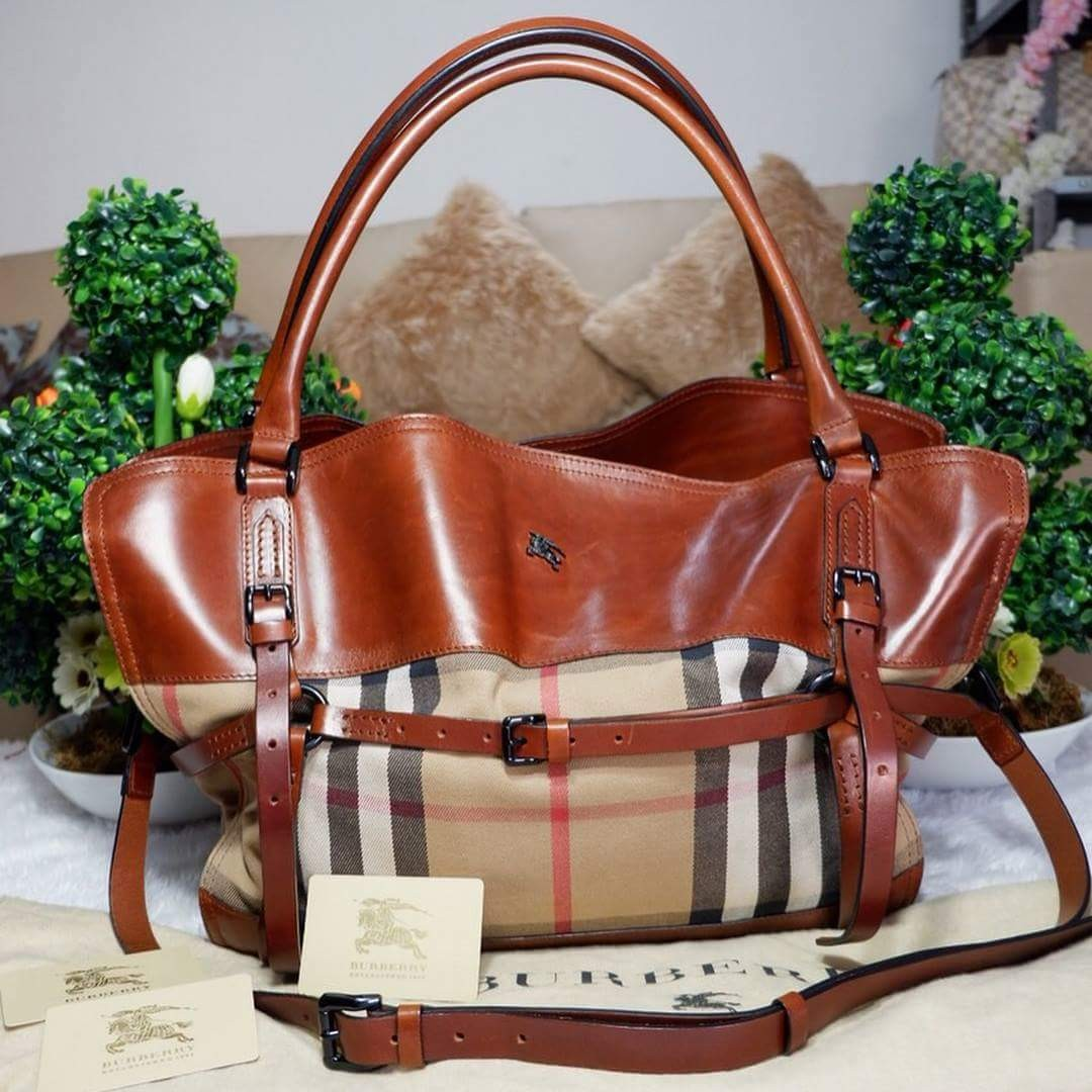 Authentic Burberry Check Two way Bag bb7235010ac55