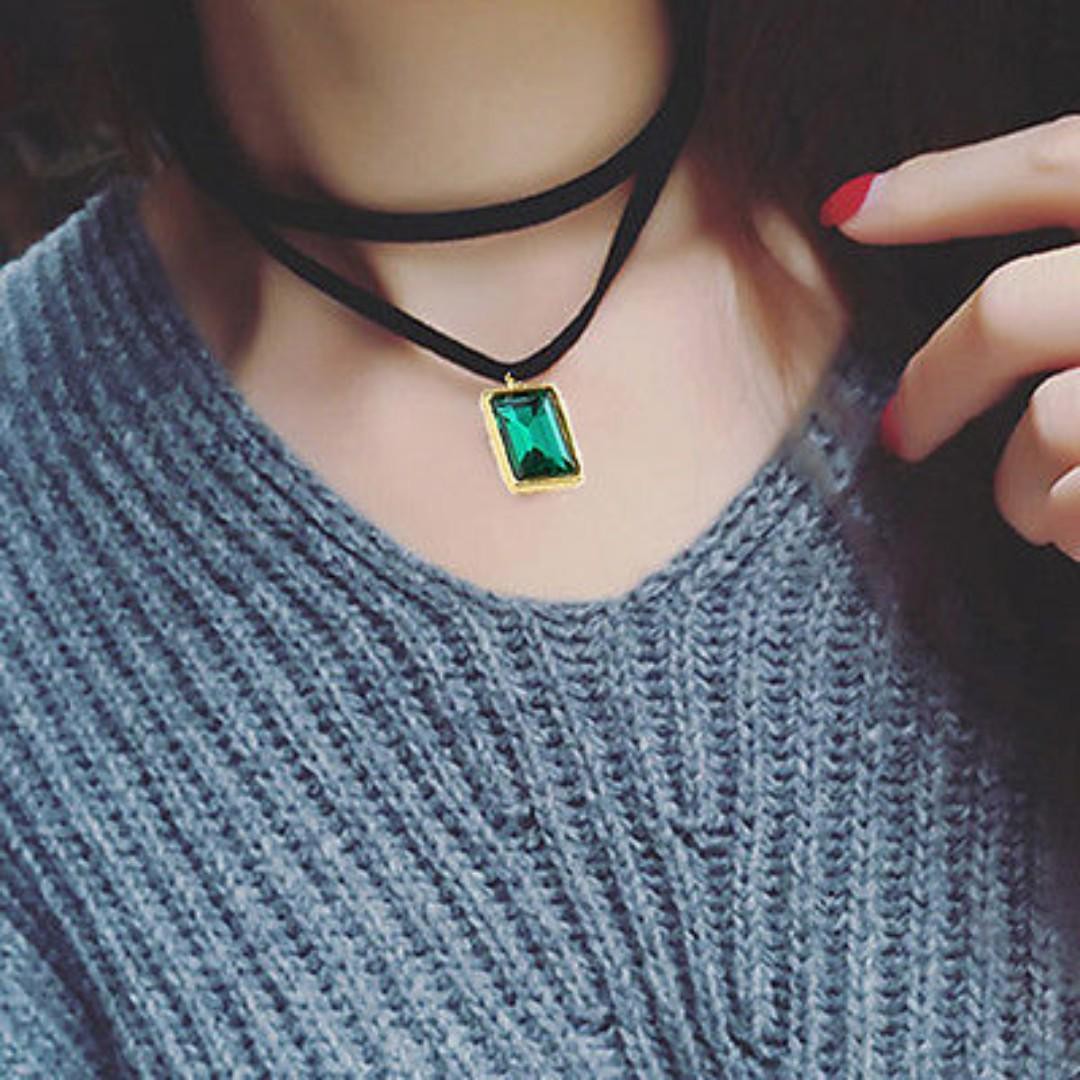 BN Delicate Women Black Velvet Ribbon Choker Green Crystal Pendant Necklace [MJN97]
