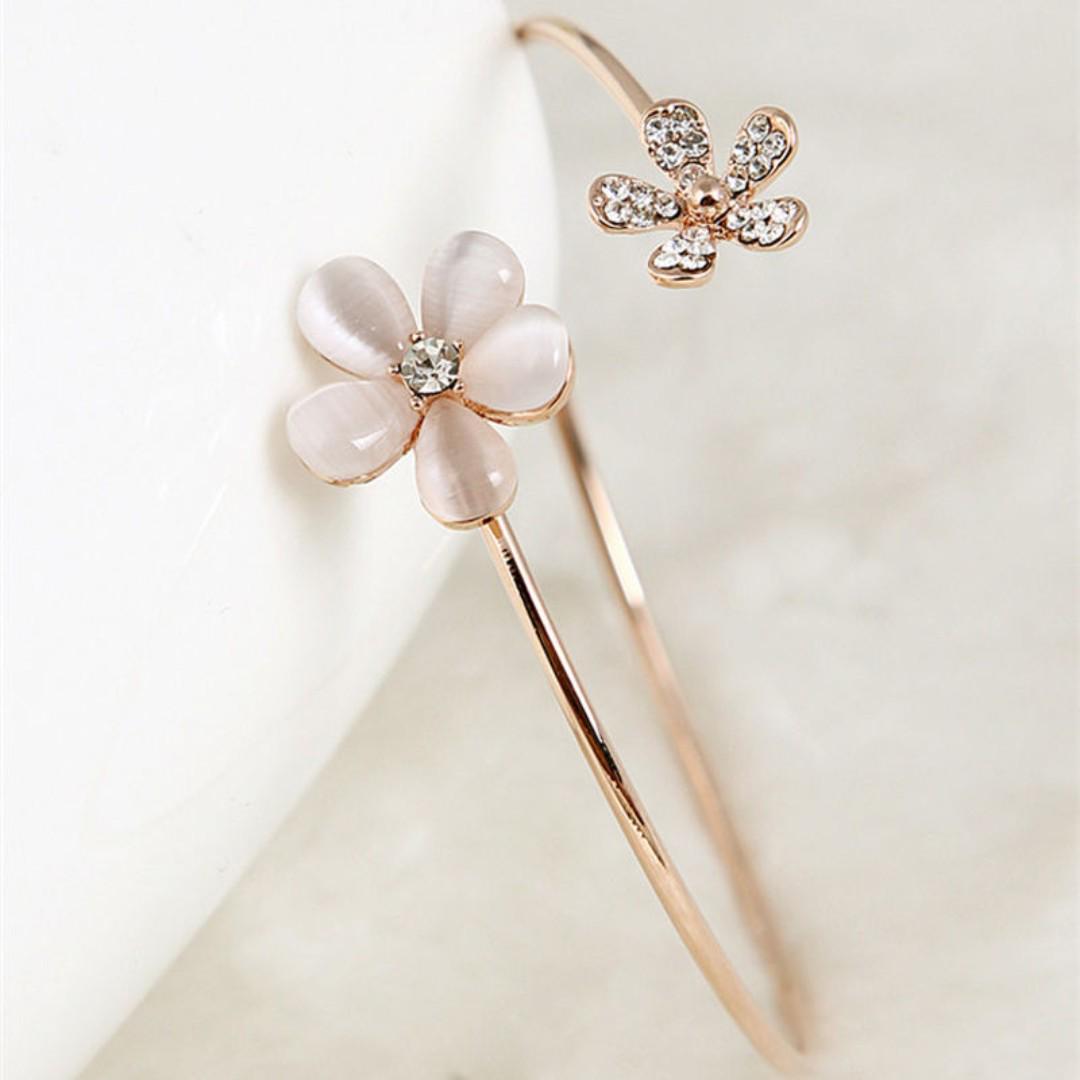 BN Fashion Women's Crystal Opal Daisy Flower Gold Plated Cuff Bracelet Bangle [MJN95]