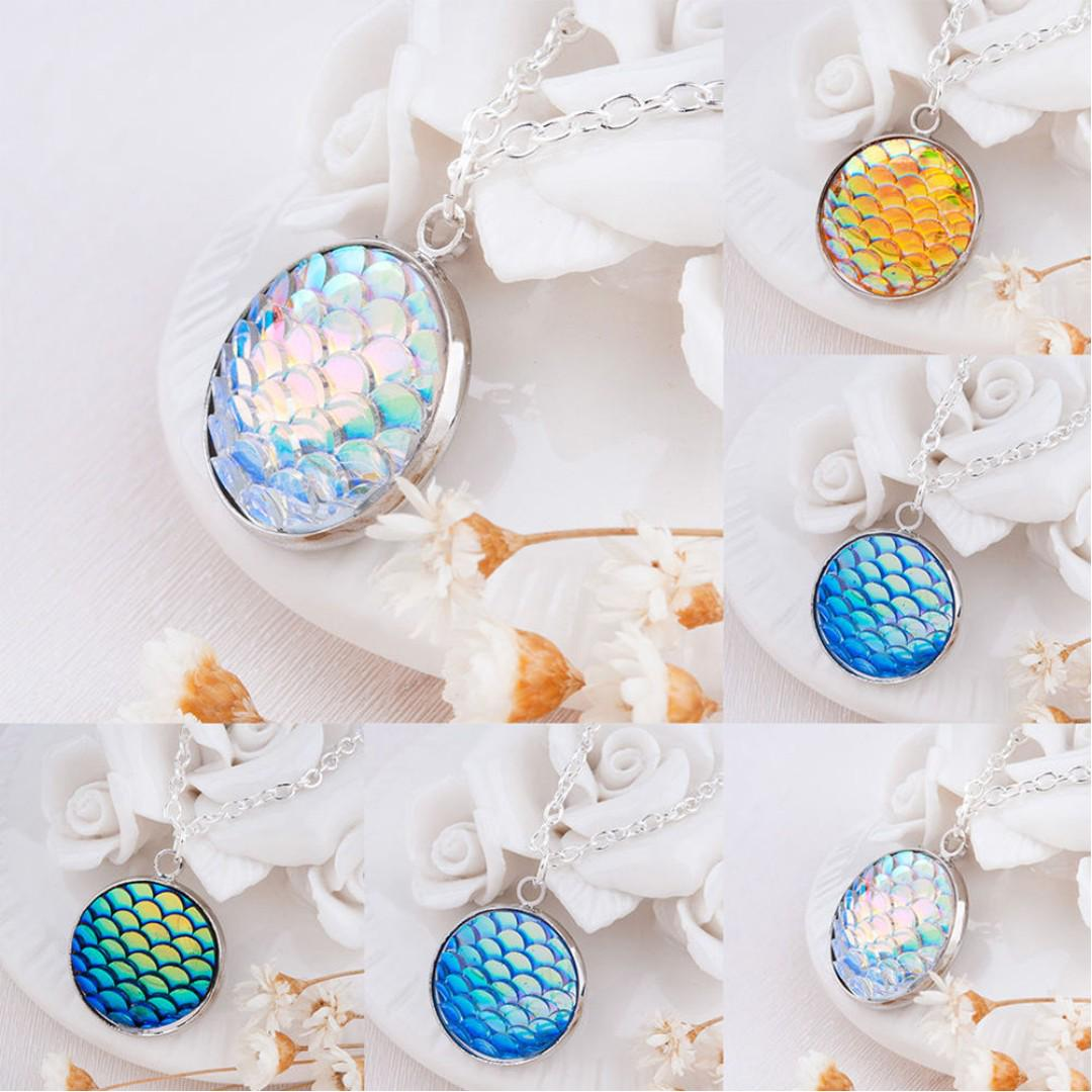 BN Mermaid Scale Resin Charm Pendant Alloy Chain Necklace [MJN87]