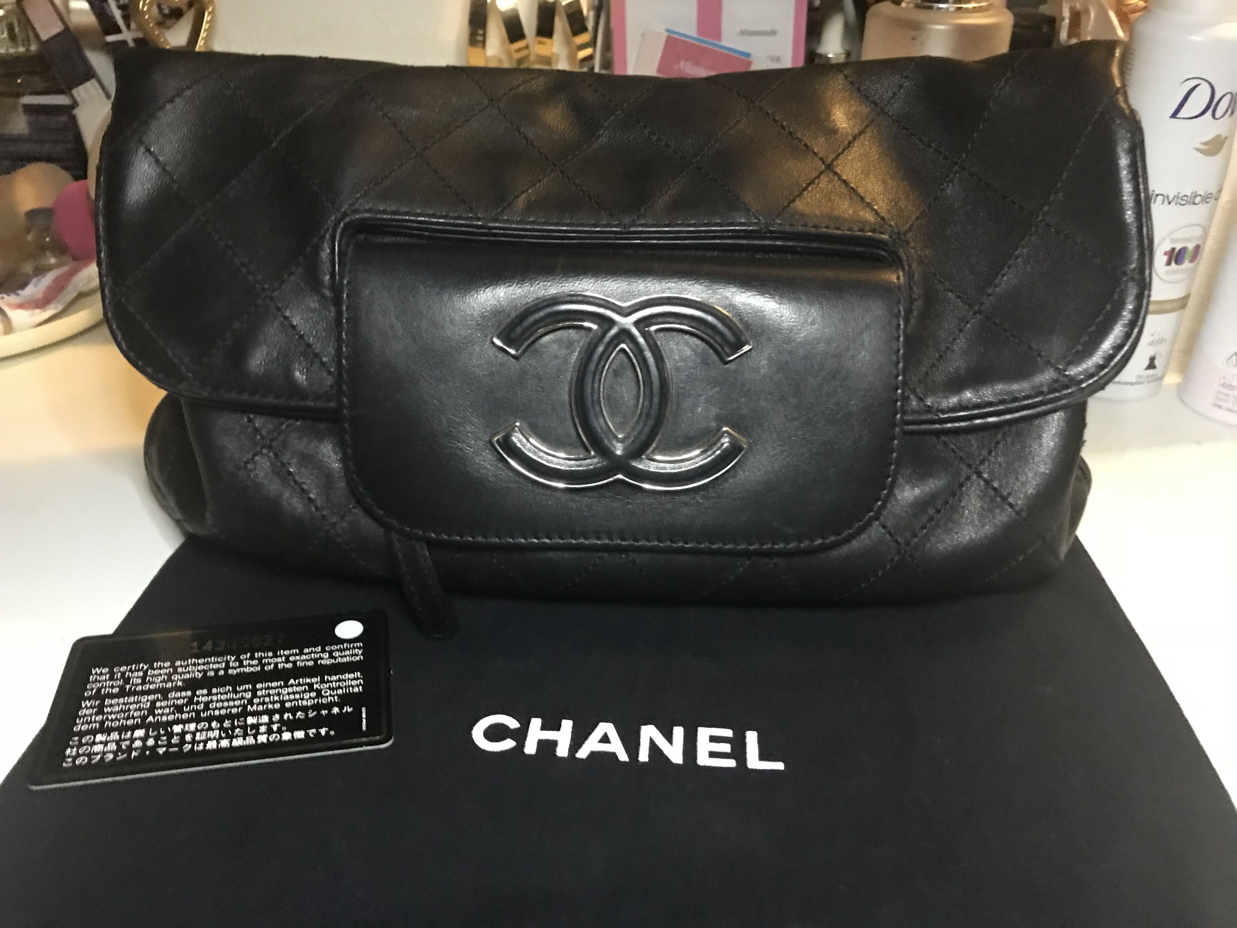 3db5cdb72133db Chanel Hamptons CC Foldover Clutch, Luxury, Bags & Wallets, Clutches on  Carousell