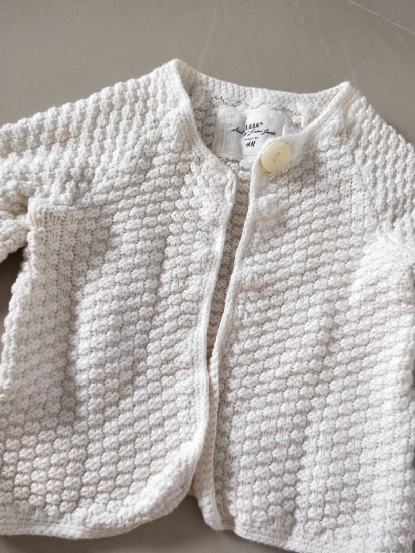1d5285de8c7f H M white knitted cardigan baby