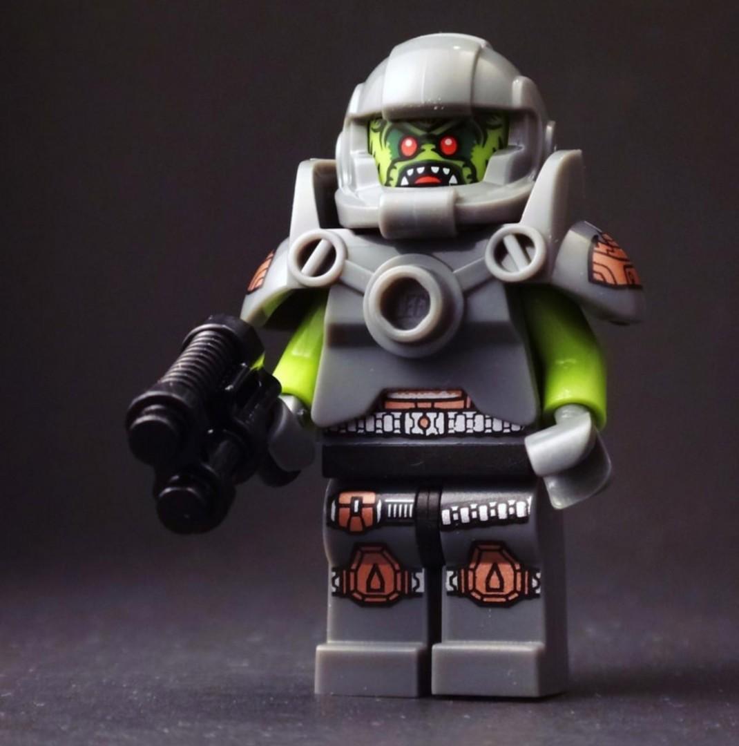 Bouwspellen Lego Minifigures Series 9 71000 Alien Avenger