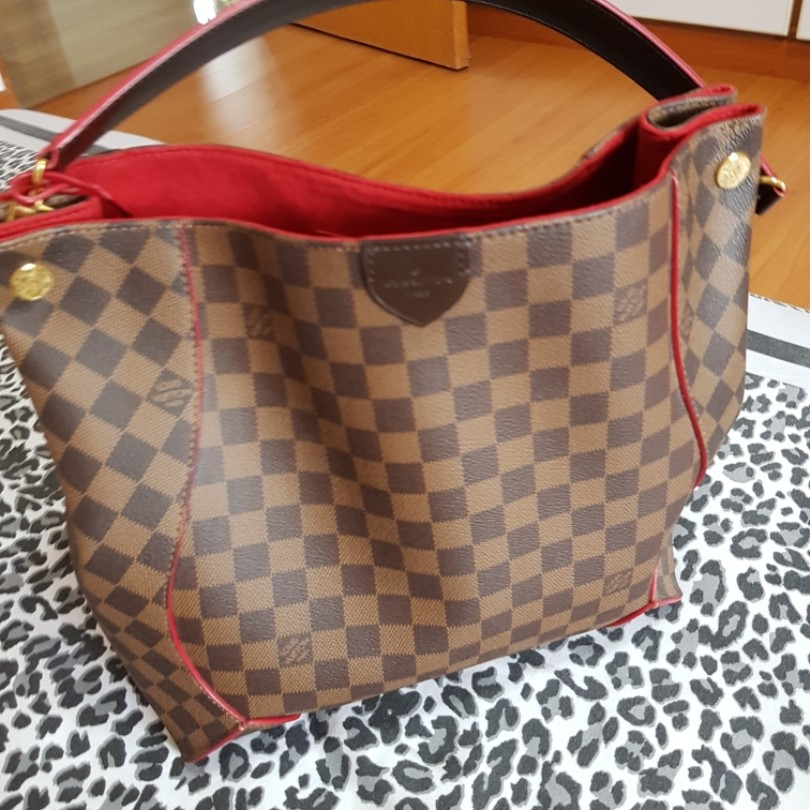 da6d4dc137 Louis Vuitton