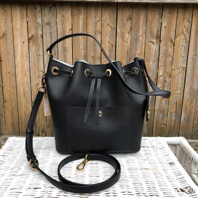 9c6980e41d999 Michael Kors Greenwich Medium Bucket bag