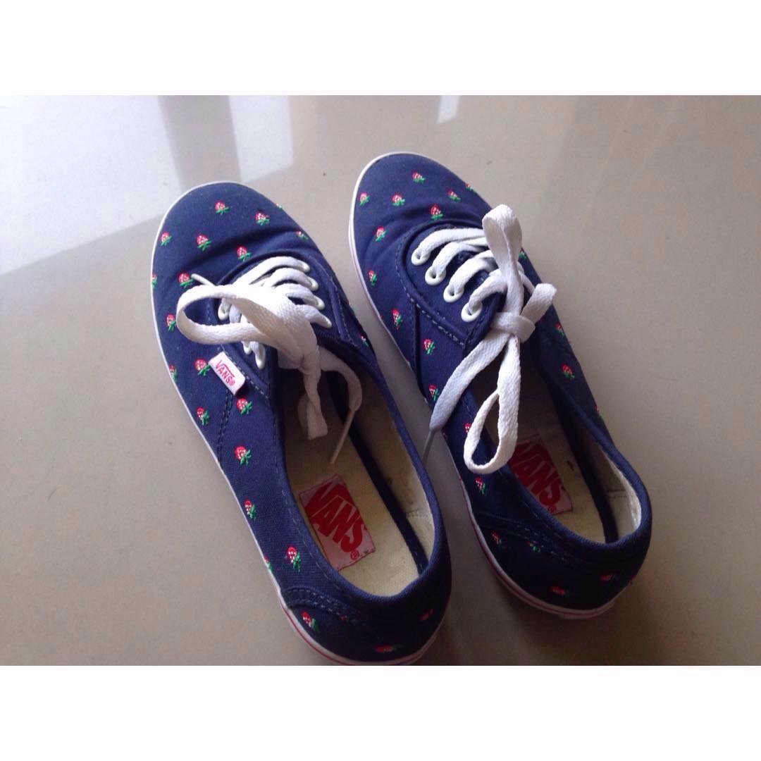 87ac8bcb31c0ae VANS Cedar - (Navy Blue) Strawberries  July50