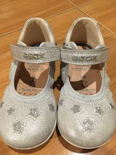 Preloved Girl's Geox shoes