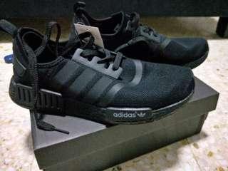 sports shoes 6da21 4f089 Adidas NMD R1 All Black Runner PK