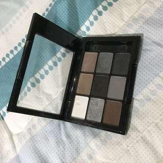 Nyx eyeshadow palette smokey smoky
