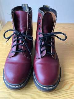 🚚 正品Dr. Martens馬汀大夫鞋8孔女靴