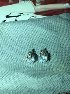 皇冠仿大鑽石耳環