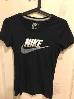🚚 Nike 合身上衣