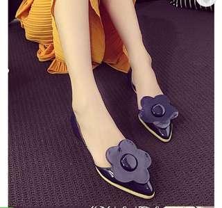Sepatu yg sangat bagus,dan berkualitas.